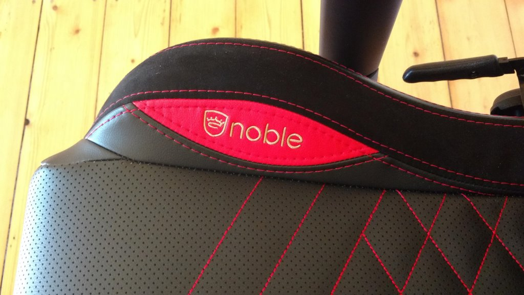 Noblechairs Epic Gaming Stuhl seitliches Logo