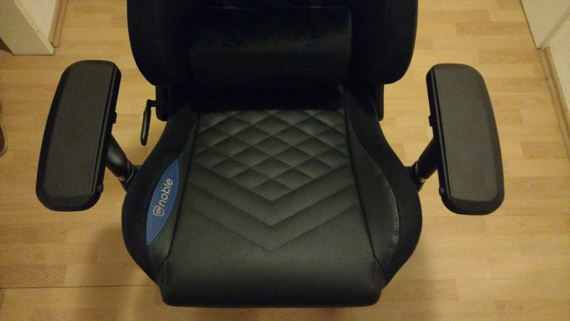 Noblechairs EPIC Gaming-Stuhl Sitzfläche