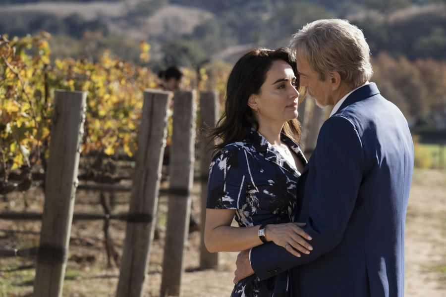 Billy McBride (Billy Bob Thornton ) und Marisol Silva (Ana de la Reguera) / Bild: Amazon