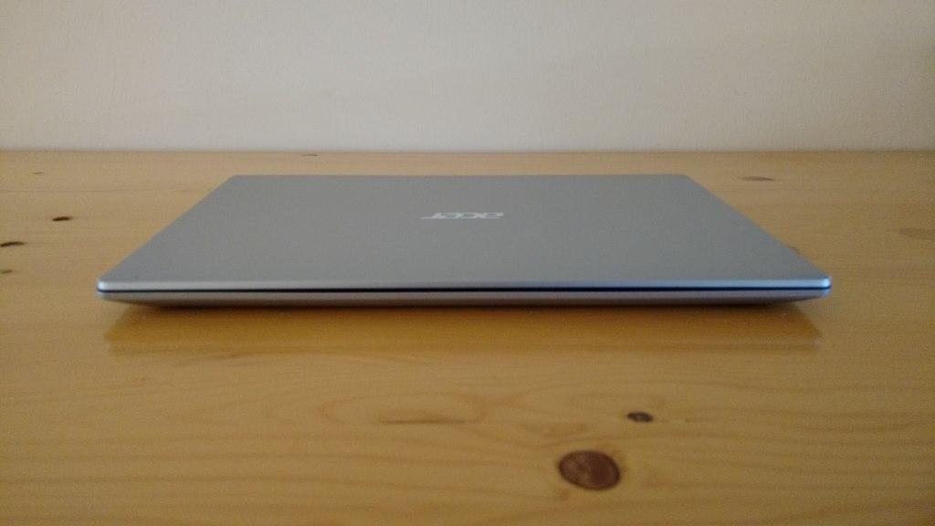 Das Acer Aspire 5 Notebook ist ziemlich flach