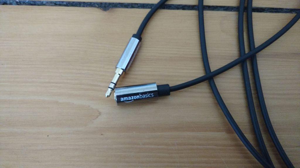 AmazonBasics Stereo-Audiokabel, 3,5-mm-Klinkenstecker auf 3,5-mm-Klinkenbuchse, 1,8 m